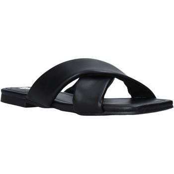 Topánky Ženy Šľapky Gold&gold A21 GY221 čierna