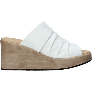Topánky Ženy Šľapky Sshady L2501 Biely