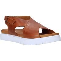 Topánky Ženy Sandále Sshady L2301 Hnedá