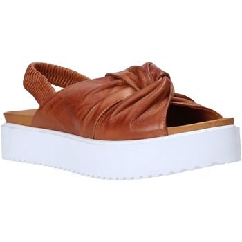 Topánky Ženy Sandále Sshady MRT77 Hnedá