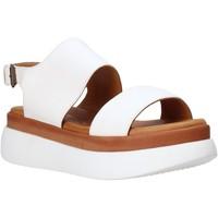 Topánky Ženy Sandále Sshady L2205 Biely