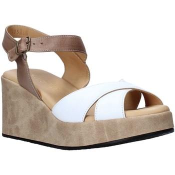 Topánky Ženy Sandále Sshady L2503 Biely
