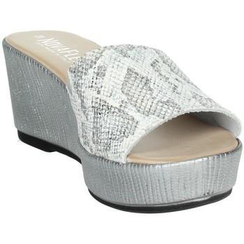 Topánky Ženy Šľapky Novaflex ACQUASANTA White/Silver