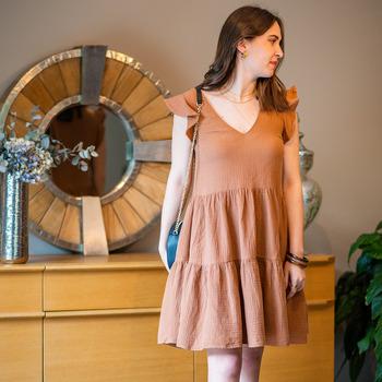 Oblečenie Ženy Krátke šaty Céleste DAHLIA Ťavia hnedá