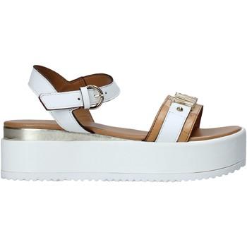 Topánky Ženy Sandále Alviero Martini E092 578A Biely
