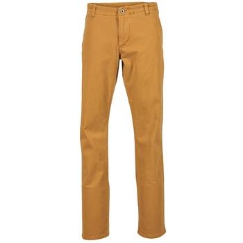 Oblečenie Muži Nohavice Chinos a Carrot Dockers ALPHA KHAKI MIST WASH Zlatá