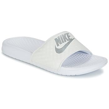 Topánky Ženy športové šľapky Nike BENASSI JUST DO IT W Biela / Strieborná