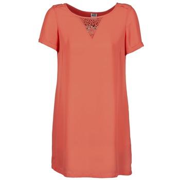 Oblečenie Ženy Krátke šaty Vero Moda TRIPPA Koralová