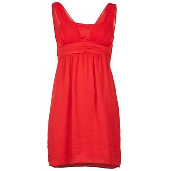 Oblečenie Ženy Krátke šaty Naf Naf KYARINA červená