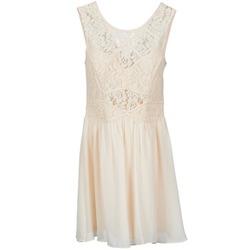 Oblečenie Ženy Krátke šaty BCBGeneration 617574 Béžová
