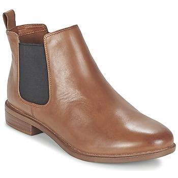 Topánky Ženy Polokozačky Clarks TAYLOR SHINE Hnedá