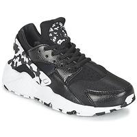 Topánky Ženy Nízke tenisky Nike AIR HUARACHE RUN SE W čierna / Biela