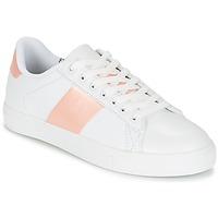 Topánky Ženy Nízke tenisky Spot on REVILLIA Biela / Ružová