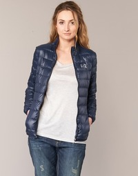 Oblečenie Ženy Vyteplené bundy Emporio Armani EA7 TRAIN CORE Námornícka modrá