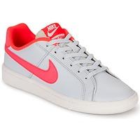 Topánky Dievčatá Nízke tenisky Nike COURT ROYALE GRADE SCHOOL šedá / Ružová