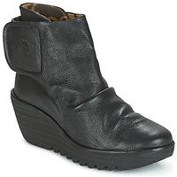 Topánky Ženy Čižmičky Fly London YOMI Čierna