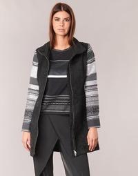 Oblečenie Ženy Kabáty Desigual GRAME Čierna