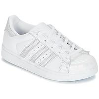 Topánky Dievčatá Nízke tenisky adidas Originals STAN SMITH C Biela / Strieborná