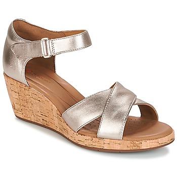 Topánky Ženy Sandále Clarks UN PLAZA CROSS Zlatá / Metalická