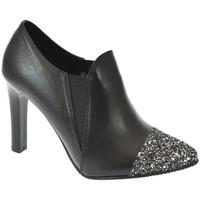 Topánky Ženy Nízke čižmy John-C DÁMSKE ČIERNE LESKLÉ POLTOPÁNKY DIAMOND čierna