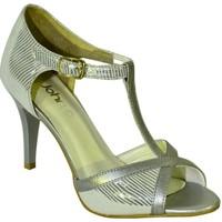 Topánky Ženy Sandále John-C DÁMSKE STRIEBORNÉ LAKOVANÉ KOŽENÉ SANDÁLE NOARI strieborná