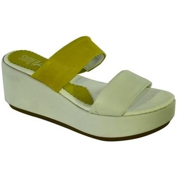 Topánky Ženy Šľapky Simen DÁMSKE ŽLTÉ VSUVKY CLARIBEL žltá