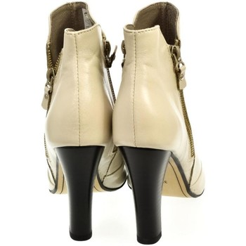 Topánky Ženy Nízke čižmy Carinii SIVÉ OTVORENÉ ČLENKOVÉ ČIŽMY  B2540 sivá