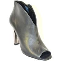 Topánky Ženy Nízke čižmy Carinii ČIERNE OTVORENÉ ČLENKOVÉ ČIŽMY  B2568 čierna