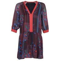 Oblečenie Ženy Krátke šaty Sisley CEPAME Čierna / Červená / Modrá