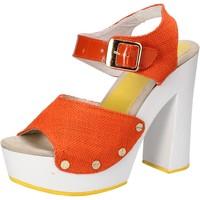 Topánky Ženy Sandále Suky Brand sandali arancione tessuto vernice AC802 Arancio