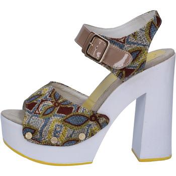 Topánky Ženy Sandále Suky Brand sandali beige tessuto vernice AB308 Beige