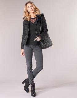 Oblečenie Ženy Džínsy Skinny Emporio Armani YEARAW Čierna