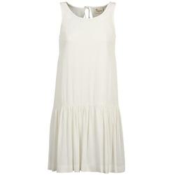 Oblečenie Ženy Krátke šaty Stella Forest DELFINEZ Krémová
