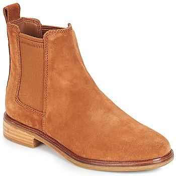Topánky Ženy Polokozačky Clarks CLARKDALE Ťavia hnedá
