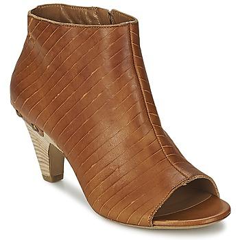 Topánky Ženy Nízke čižmy Vic GONCO Hnedá