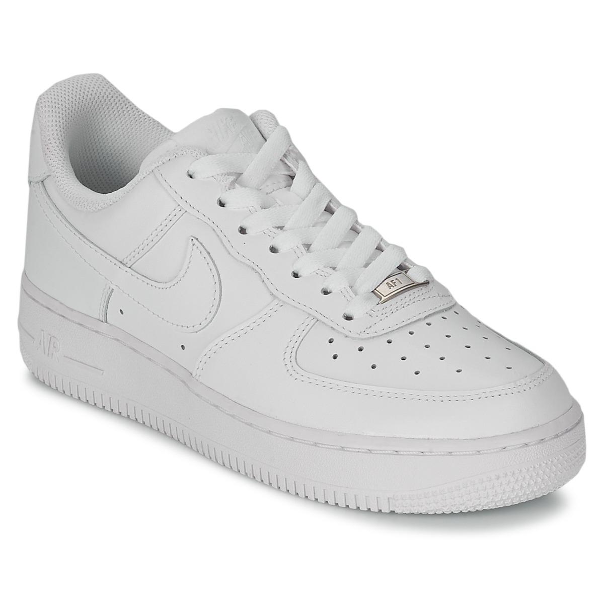 Topánky Ženy Nízke tenisky Nike AIR FORCE 1 07 LEATHER W Biela 699da82c48