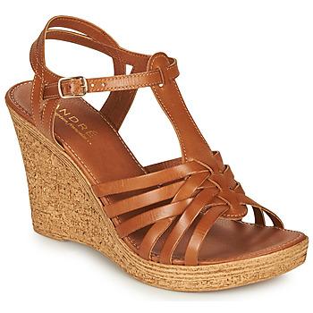 Topánky Ženy Sandále André FABULEUSE Ťavia hnedá