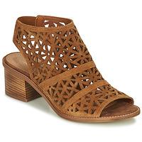 Topánky Ženy Sandále André CARIOCA Ťavia hnedá