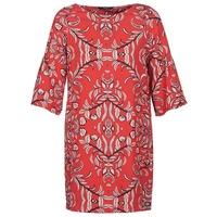 Oblečenie Ženy Krátke šaty Vero Moda VMGYANA Červená
