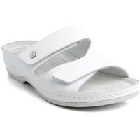 Topánky Ženy Šľapky Batz Dámske kožené biele šľapky FC06 biela