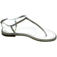 Topánky Ženy Sandále Comer Dámske strieborné sandále OLANI strieborná