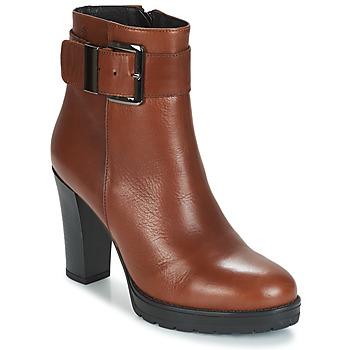 Topánky Ženy Čižmičky Betty London JARAMBOLE Hnedá