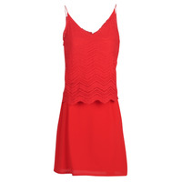 Oblečenie Ženy Krátke šaty Betty London KULIA Červená