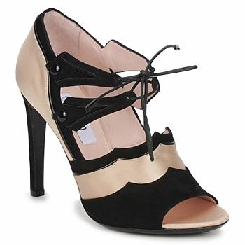 Topánky Ženy Sandále Moschino MA1601 Saténová svetlá telová